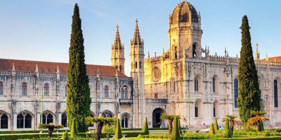 Visiting Lisbon and Enjoying the Great Destinations for Traveling and for Casino Gambling Lovers